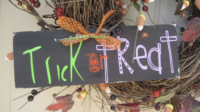 Trick or Treat wreath sign