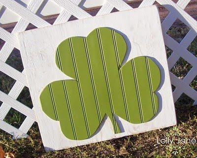 St. Patrick's Beadboard Shamrock Decor