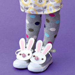 Kids craft: Lucky rabbit feet