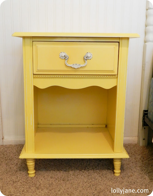 yellow sidetable makeover DIY (1)