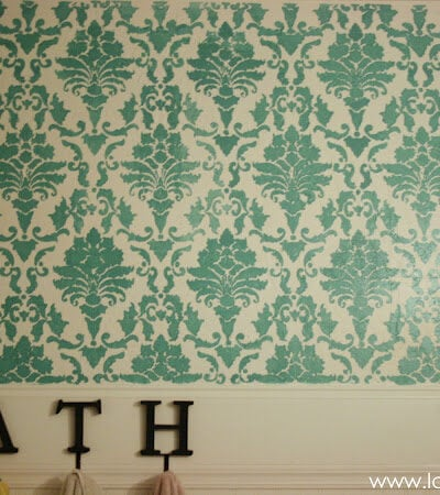 Stenciled bathroom walls: affordable bathroom refresh!