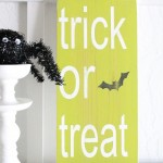 trick-or-treat-wood-sign-halloween-decor-lollyjane.com