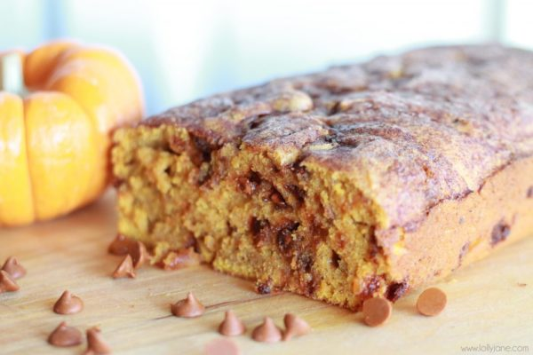 Pumpkin Snickerdoodle Bread recipe lollyjane.com