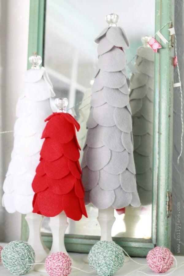 Super easy to make felt scalloped christmas trees from lollyjane.com!