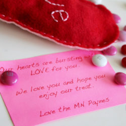 Valentine's Day felt heart holder | tutorial