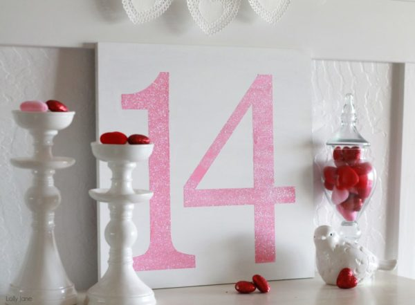 easy Valentines day glitter sign #valentinesday #DIY
