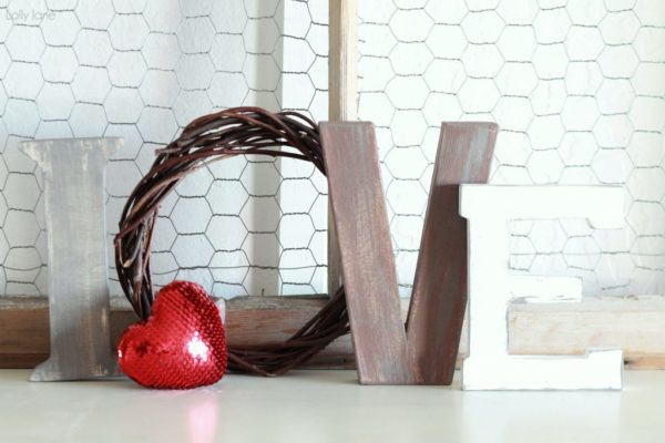 valentines day love letters mantel decor (11)