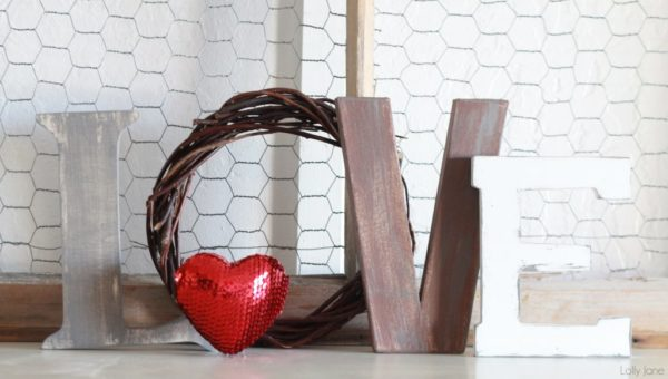 valentines day love letters mantel decor (4)