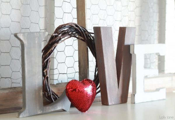valentines day love letters mantel decor (6)