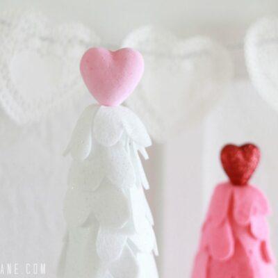 felt heart Valentine trees