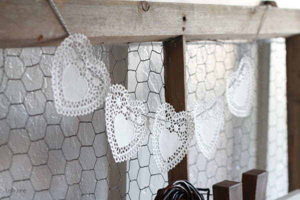 Heart-Doily-Bakers-Twine-Bunting-via-Lolly-Jane5-600x400