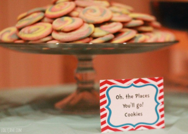 New-Beginnings-Dr-Seuss-decorating-ideas-cookies