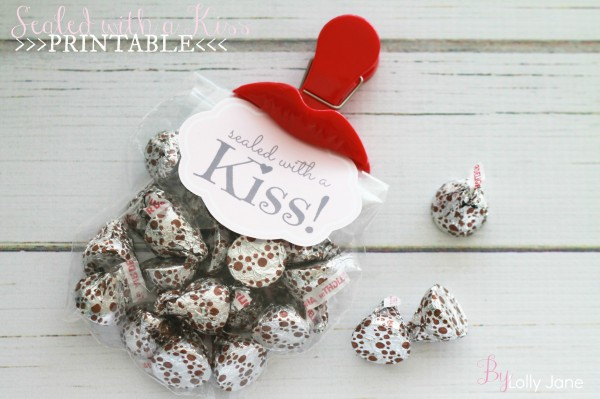 sealed-with-a-kiss-valentine-treat