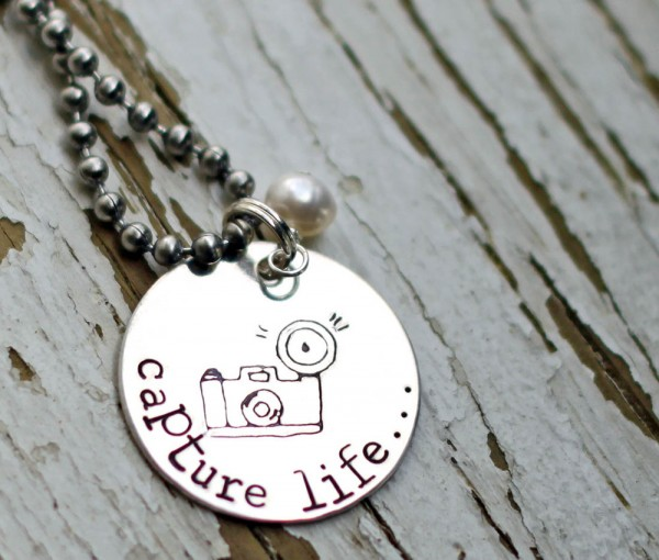 The-Rusted-Chain-Capture-Life-Necklace