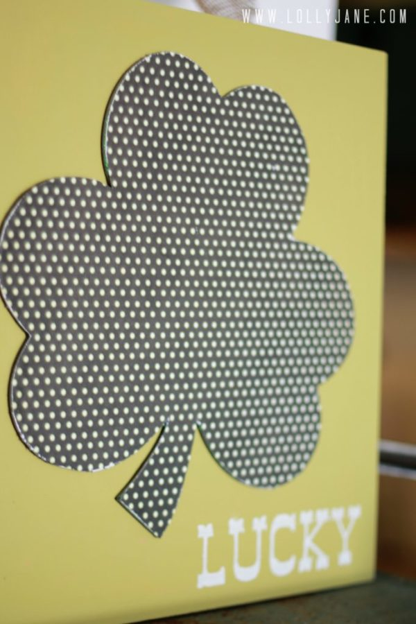 DIY St. Patrick's Day shamrock polkadot wood art by @LollyJane