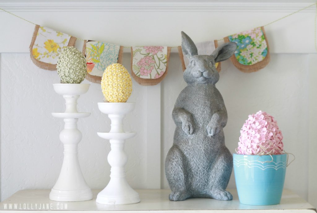 Spring mantel. Instructions to make the vintage bunting included #springmantel #bunting