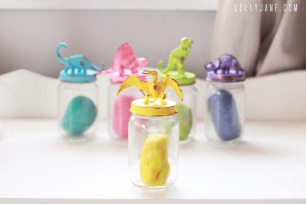 Dinosaur jar lids for kids storage | www.lollyjane.com
