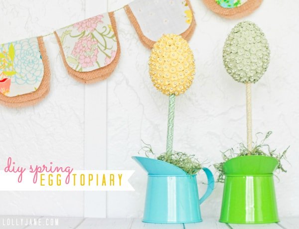 Bakers twine egg topiary by www.lollyjane.com #spring #homedecor
