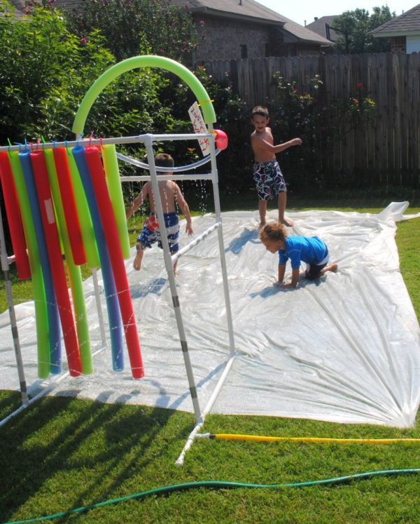 DIY slip 'n slide #summerboredombuster
