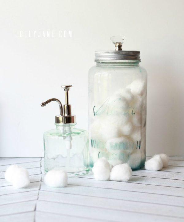 Distressed mason jar using glass paint #masonjar #decoart