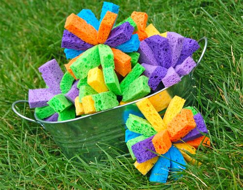 Sponge bombs! Just tie rubber bands around sponges #summerboredombuster