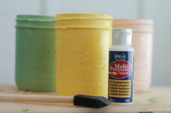Seal distressed mason jars to prevent scratching #diy #masonjars