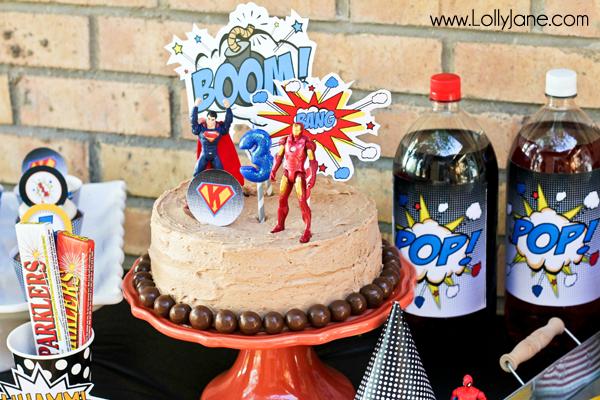 Cool superhero birthday party cake