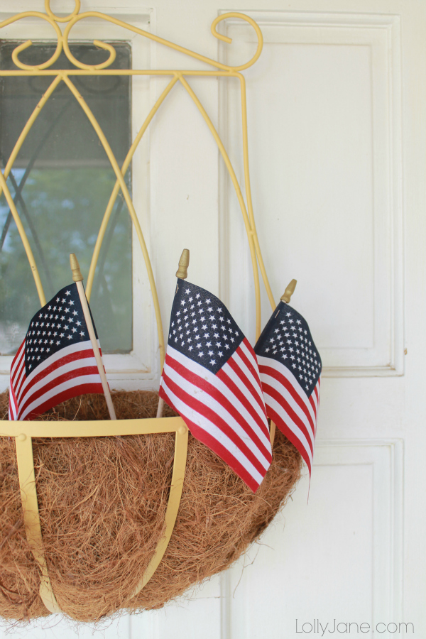cute-front-porch-4th-of-july-decor