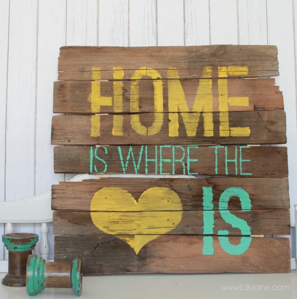 DIY Home is where the heart is pallet sign via lollyjane.com #palletart #diy