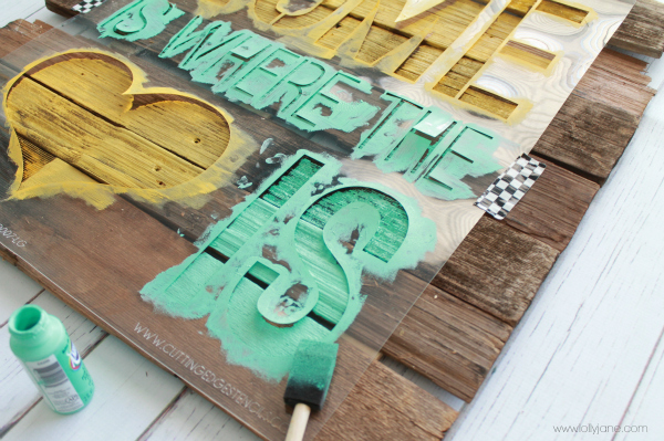 Mint and mustard Home is Where the Heart is Sign #diy #palletart