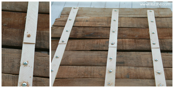 Use wood shims to secure pallet art #diy #palletsign