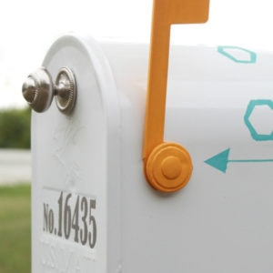 Easy mailbox makeover with posh octagon design using ScotchBlue painters tape