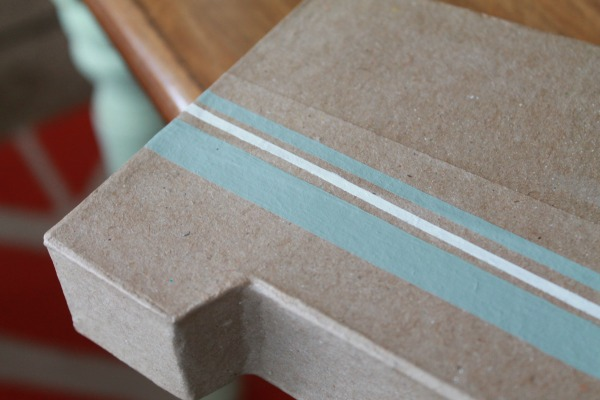 Make pinstripes to create grain sack monogram letter.