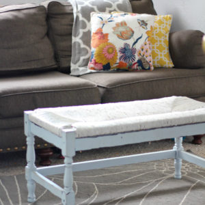 Easy DIY how to paint wicker furniture.