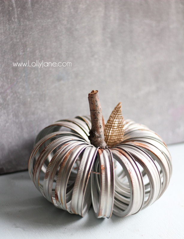 How to create an aged canning ring pumpkin. Such an easy fall craft idea! Love this fall decor craft, easy fall decor ideas are the best!