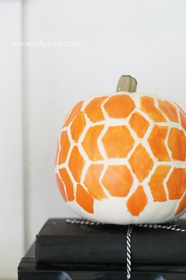 Easy Halloween honeycomb painted pumpkin tutorial.