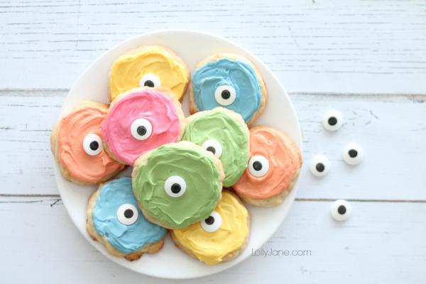 Easy rainbow monster cookies! So cute & playful for Halloween!