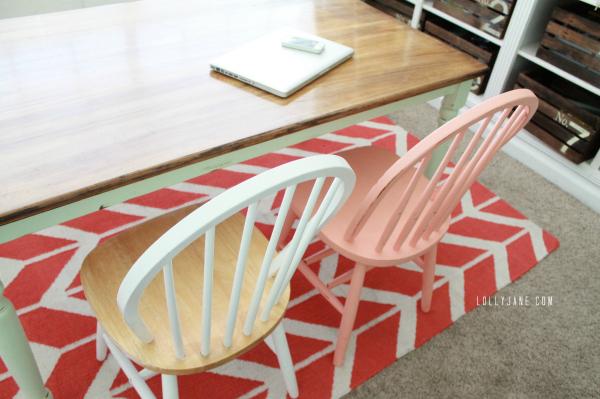DIY mint farmhouse table using homemade chalk paint. Easy tutorial!
