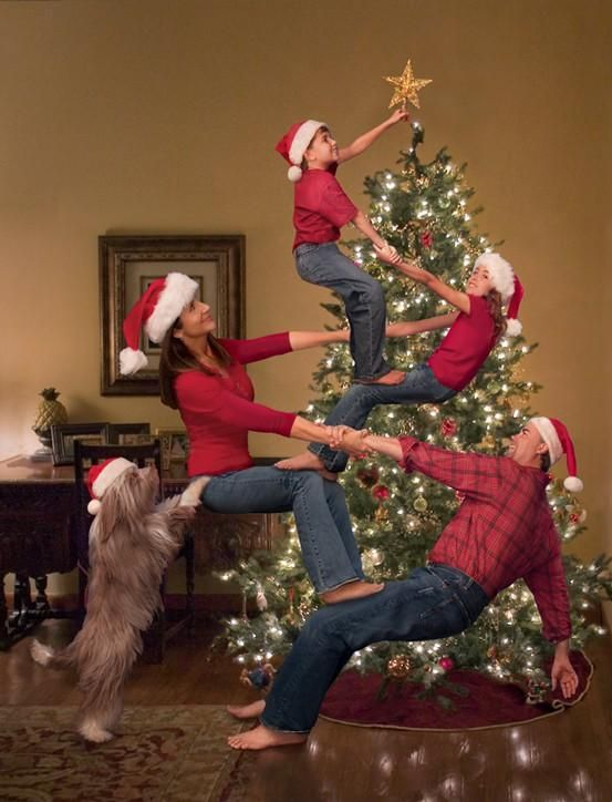 Funny and cute family Christmas picture ideas