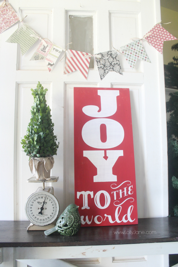 Pretty Joy to the World sign via www.lollyjane.com