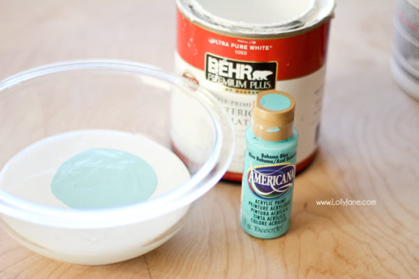 Mixing chalk paint | www.lollyjane.com