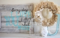 Pretty DIY pallet art with frame