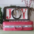 """Easy Christmas JOY sign tutorial. Cute wreath in place of the """"o"""" (lollyjane.com) #christmasdecor #diy"""