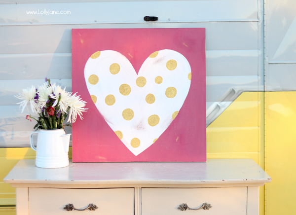Cute glitter polka dot heart sign perfect for Valentine's Day!