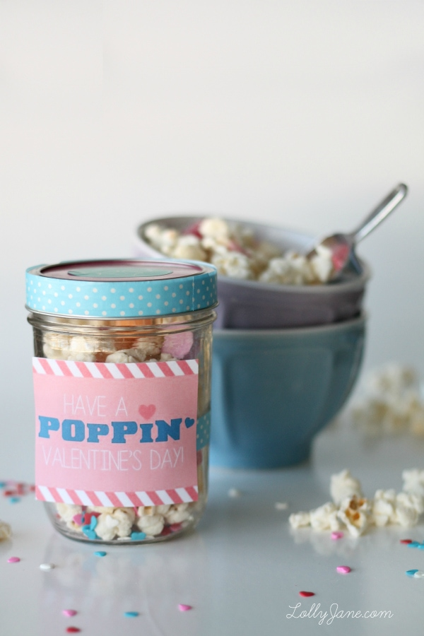 Valentine popcorn mix recipe + free tags
