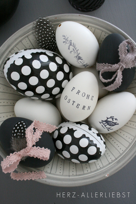B&W Easter Eggs + 26 other cute Easter/spring ideas! via lollyjane.com