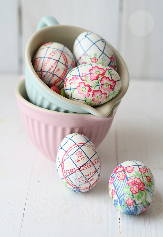 DIY Easter Egg Napkins + 26 other cute spring/Easter ideas! lollyjane.com