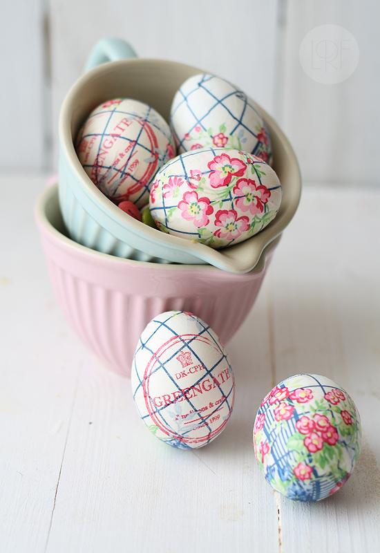 DIY Easter Egg Napkins + 26 other cute spring/Easter ideas! lollyjane.com