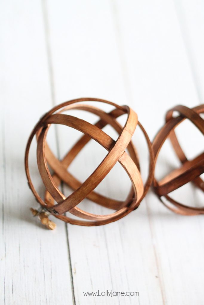 DIY Embroidery Hoop Spheres | Check out how these wood embroidery hoops turn into pretty home decor accents! Love these diy embroidery hoop spheres, such a fun diy home decor craft!