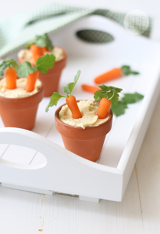 Garlic hummus + 26 other cute Easter/spring ideas! via lollyjane.com
